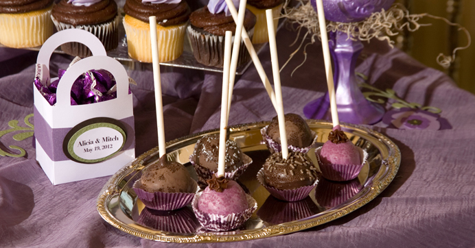 Homemade cake pops for your dessert table