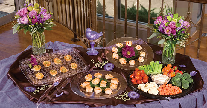 Catering Ideas for your reception: plastic trays and more