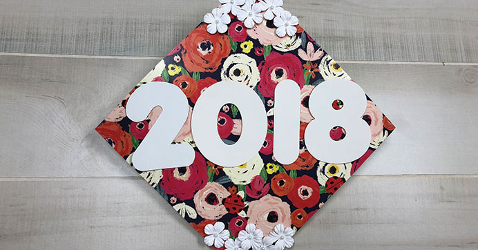 Decorate Graduation Caps